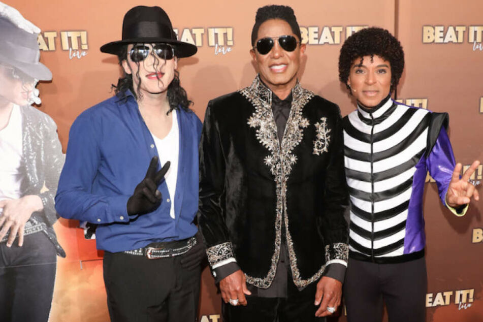 """Zu Ehren des """"King of Pop"""": Bruder Jermaine Jackson bei Premiere von Musical """"Beat It!"""""""