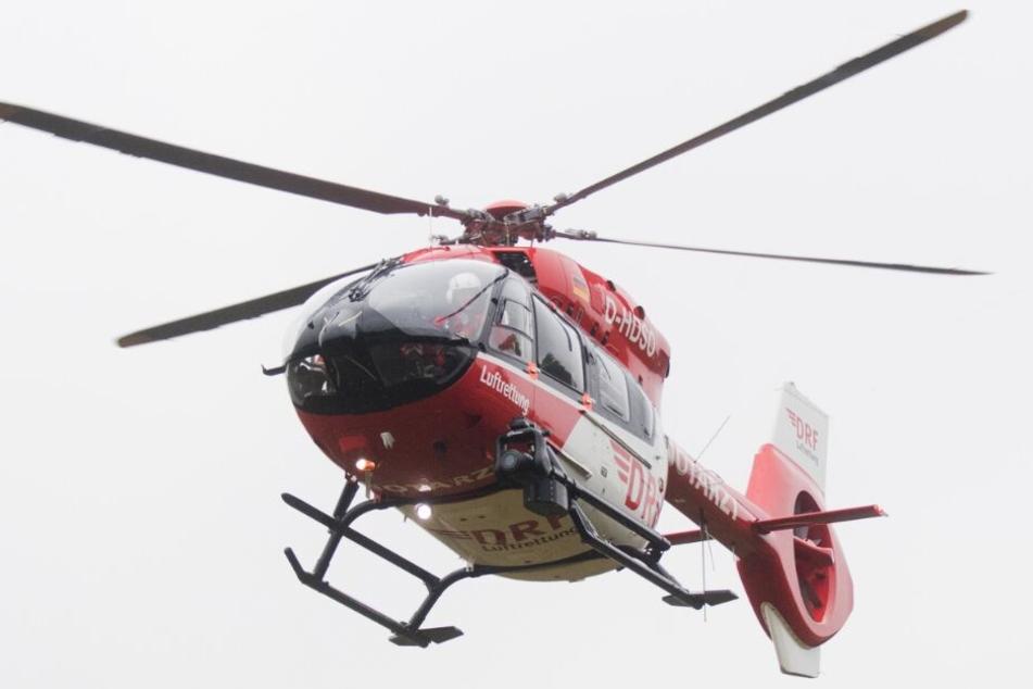 Auch ein Rettungshubschrauber landete an der Unfallstelle.