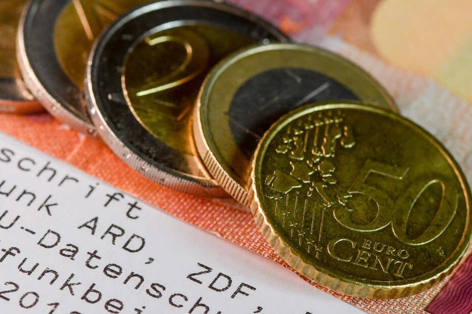 """Nicht ratsam seien laut dem neuesten Gutachten nunmehr Begriffe wie """"Staatsfunk"""" oder auch """"Quotenfinanzierung""""."""