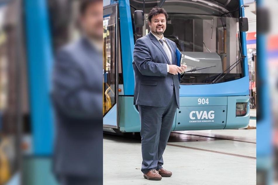 CVAG-Vorstand Jens Meiwald (54) stoppt den Verkauf von Monatskarten im Bus.