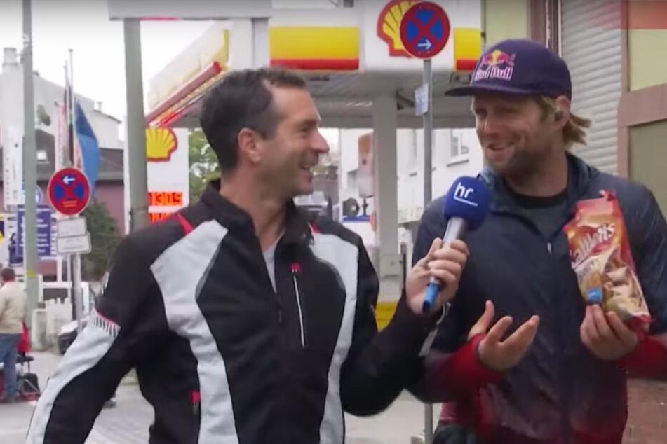 Beim Frankfurt-Marathon: Olympiasieger Brink biegt mal kurz zur Tanke ab