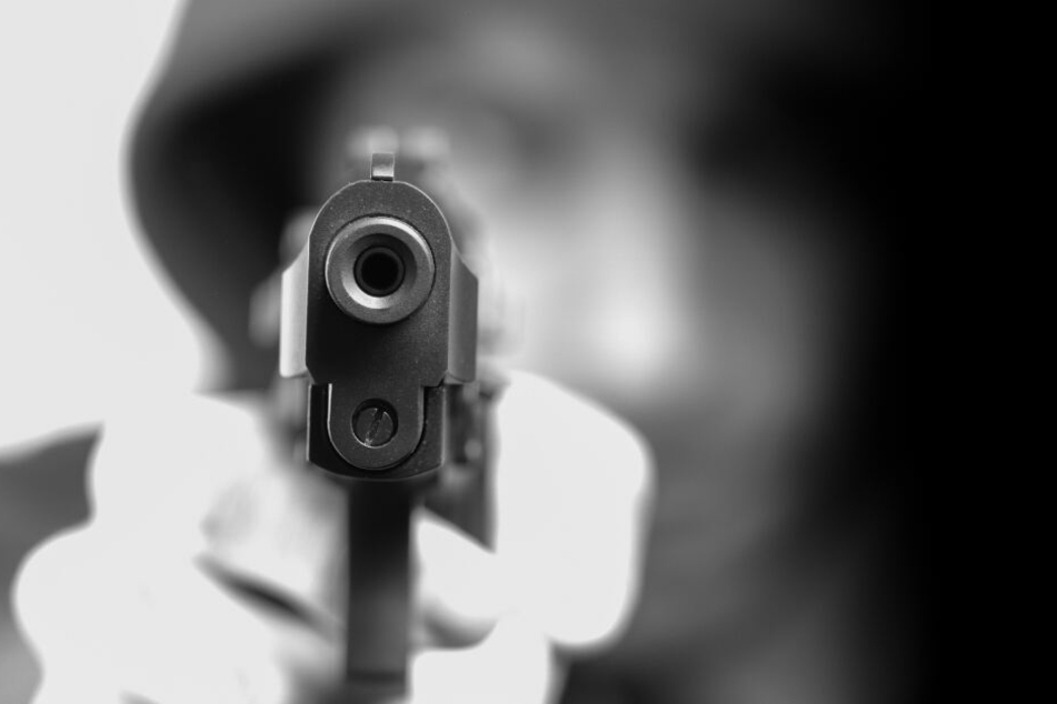 Der Mann war mit einer Pistole bewaffnet. (Symbolbild)