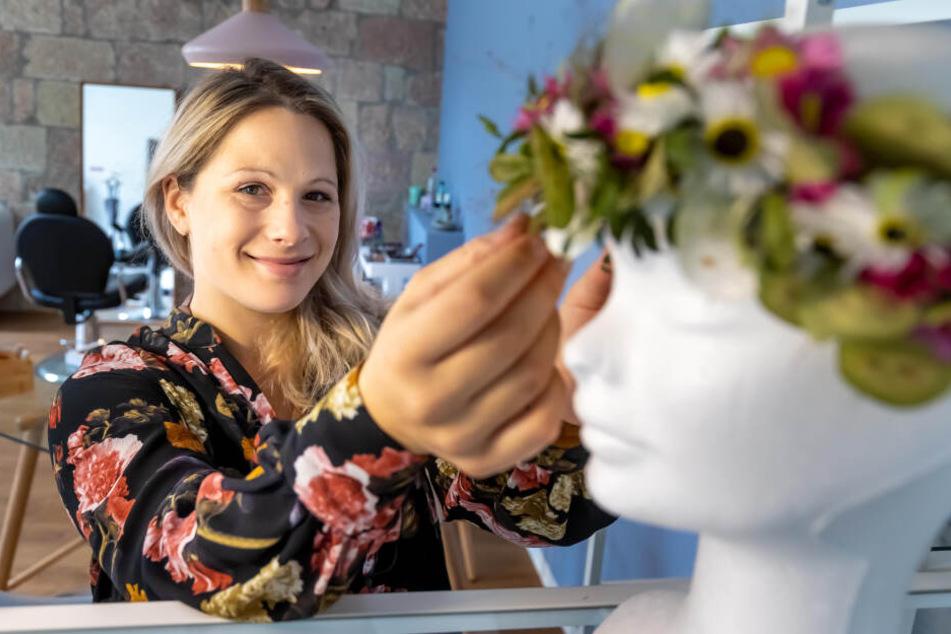 Jennifer Follmann (33) begleitet ihre Bräute zum großen Tag. Auf dem Brühl 40 hat sie ihr Atelier.
