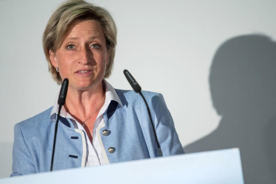 Wirtschaftsministerin von Baden-Württemberg Hoffmeister-Kraut (CDU) spricht im Juli 2018.