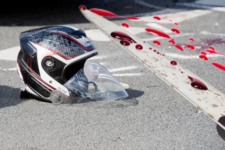 Der Autofahrer fackelte nicht lang. Kurz darauf hatte der Rollerfahrer einen spitzen Gegenstand im Oberkörper. (Symbolbild)