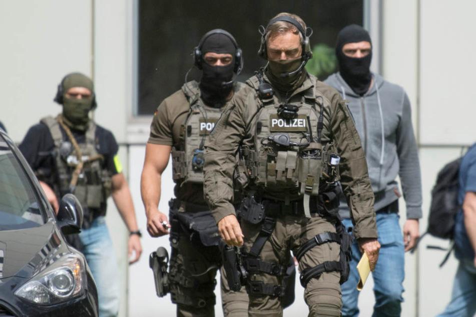 Polizei und Justiz im Norden haben immer häufiger mit mutmaßlichen Terroristen zu tun. (Symbolbild)
