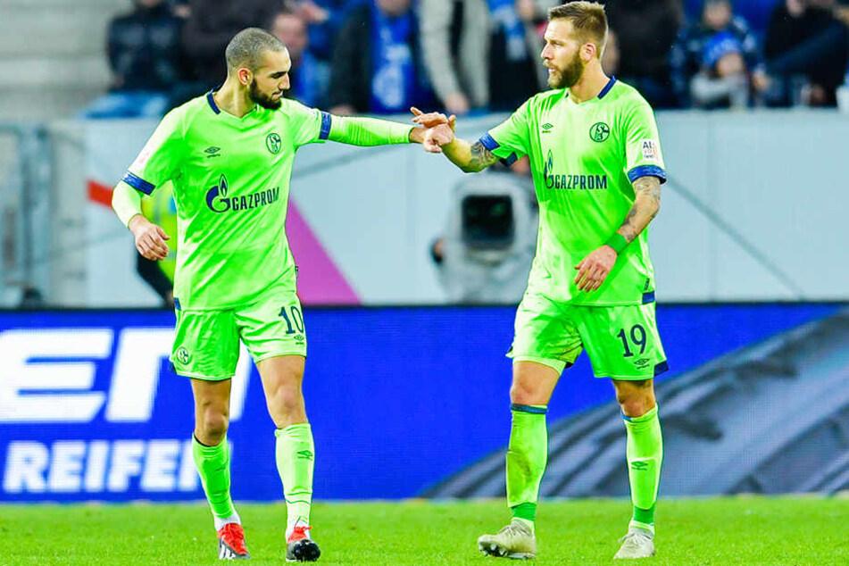 Bereiten Nabil Bentaleb (l.) und Guido Burgstaller (r.) vom FC Schalke 04 dem BVB am kommenden Sonntag im direkten Duell Probleme?