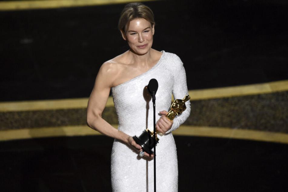 Renee Zellweger (50) wurde als beste Hauptdarstellerin ausgezeichnet.