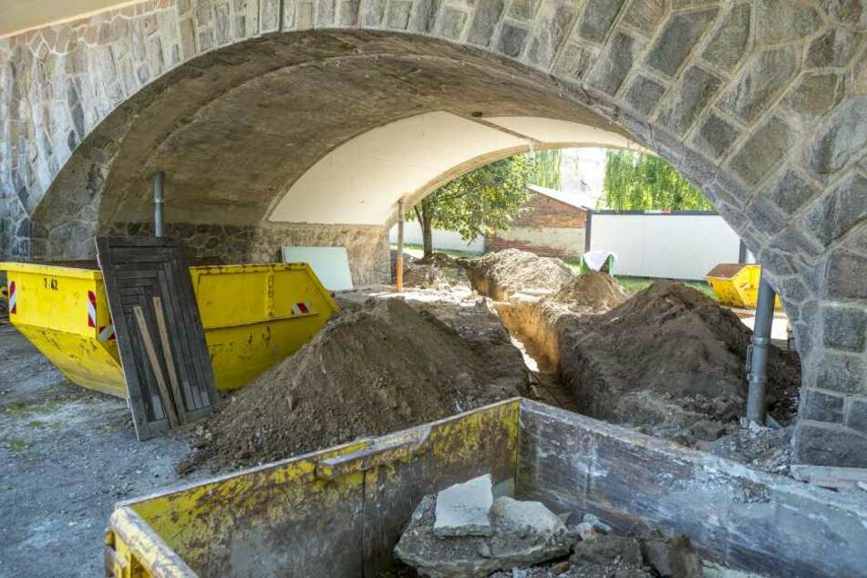 Die Kasematten am Blauen Wunder auf Loschwitzer Seite werden bis Februar 2017  repariert.