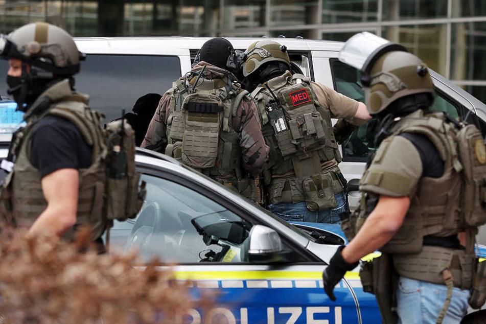 Das Spezialeinsatzkommando (SEK) war für die Verhandlungen mit dem Mann gekommen.