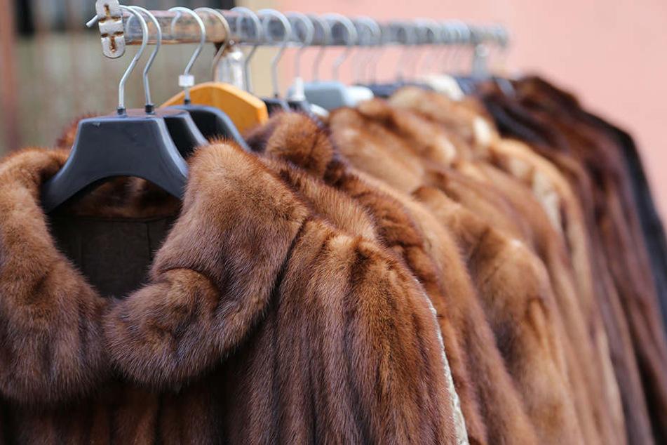 Pelzmäntel sind nach wie vor gern getragene Kleidung.