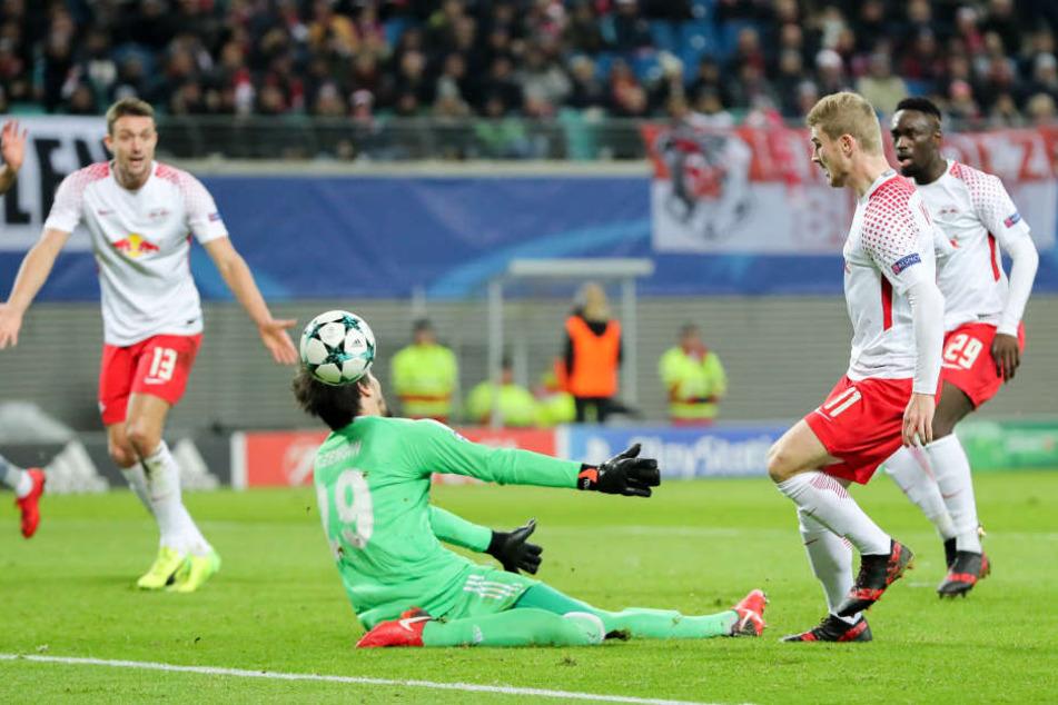 Unzählige Male scheiterten die RB-Spieler an Besiktas-Keeper Tolga Zengin.