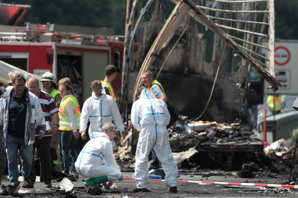 Das Fahrzeugs eines sächsischen Reiseunternehmens war auf dem Weg nach Italien, als die Katastrophe geschah.