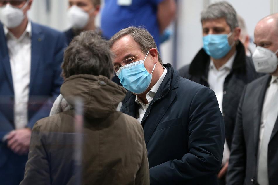 Coronavirus in NRW: Über 4500 Neuinfektionen, Inzidenz steigt auf 115