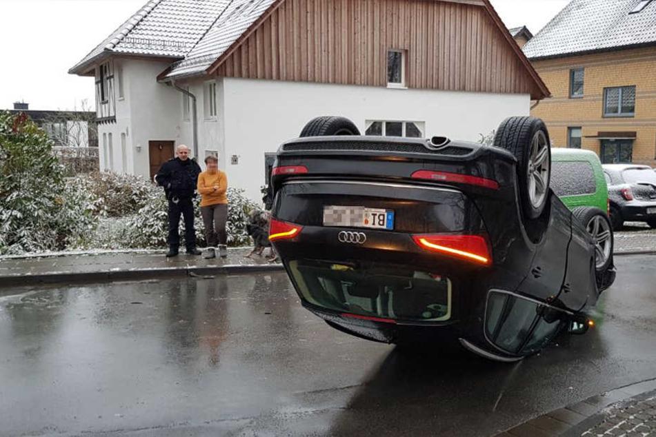 Wegen Sommerreifen: Audi landet auf dem Dach