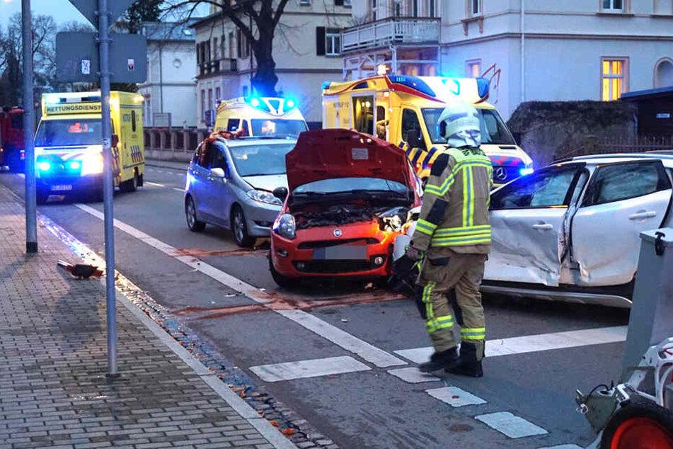 In der Bautzener Innenstadt gab es einen Unfall mit insgesamt vier beteiligten Fahrzeugen.