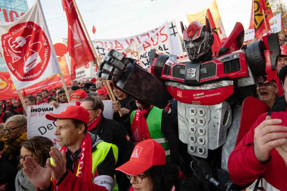 Tausende Jobs in Gefahr: 15.000 Arbeiter der Auto-Industrie gehen auf die Straßen