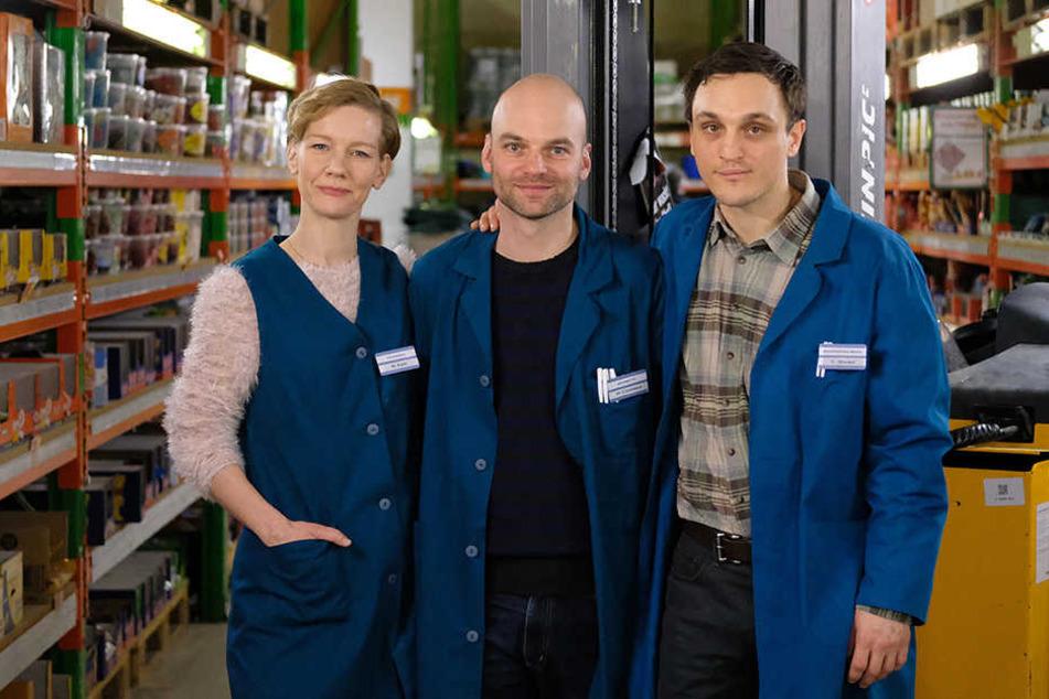 """Die Schauspieler Sandra Hüller (l-r), Regisseur Thomas Stuber und Schauspieler Franz Rogowski beim Dreh des Kinofilms """"In den Gängen""""."""