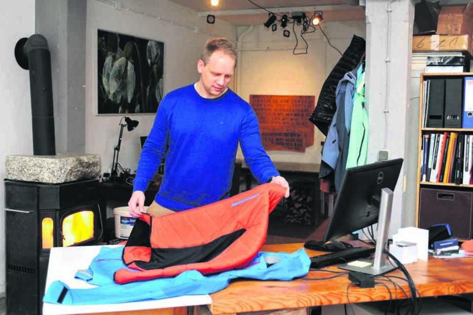 Sascha Eichelkraut (41) mit einer Neualp-Jacke.