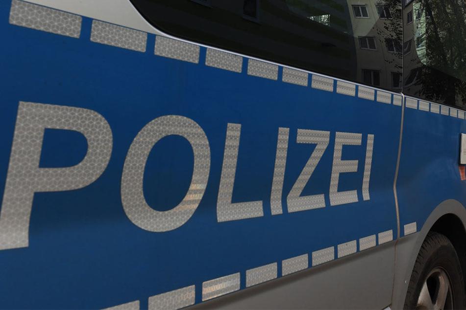 Polizei und Feuerwehr rückten an und befreiten Mutter und Kinder aus der misslichen Lage.