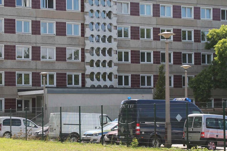 Die Polizei musste zu einem Asylheim an der Müntzerstraße anrücken.