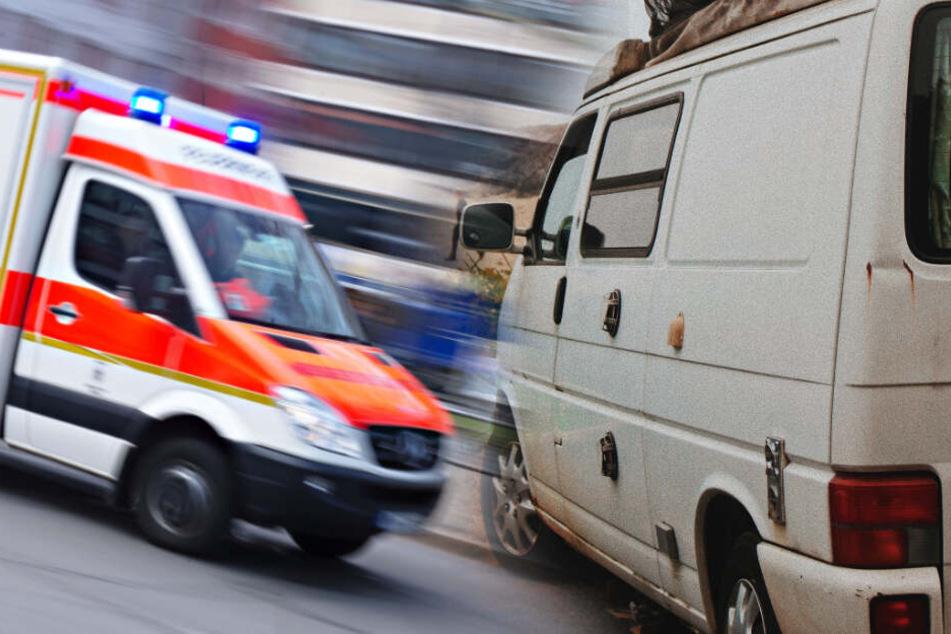 Auf dem Weg zum Southside! Zwei Leute fallen aus VW-Bus, Frau (21) schwer verletzt