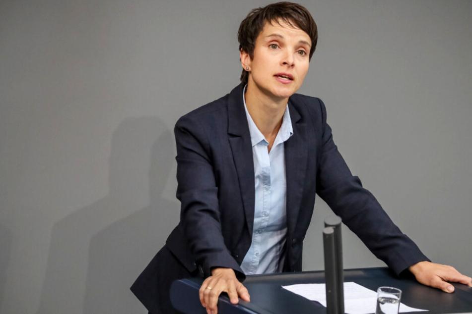 """Frauke Petry und AfD im Markenstreit: Wer darf denn nun """"blau"""" sein?"""