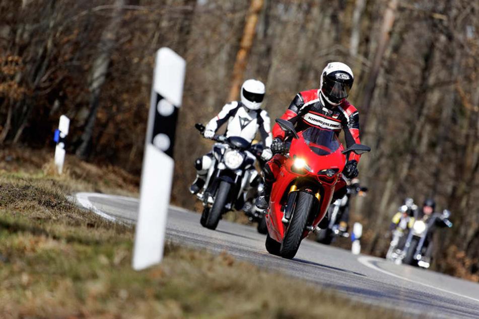 2016 besaßen rund 4,3 Prozent der Frauen und rund 22,3 Prozent der Männer einen Motorrad-Führerschein.