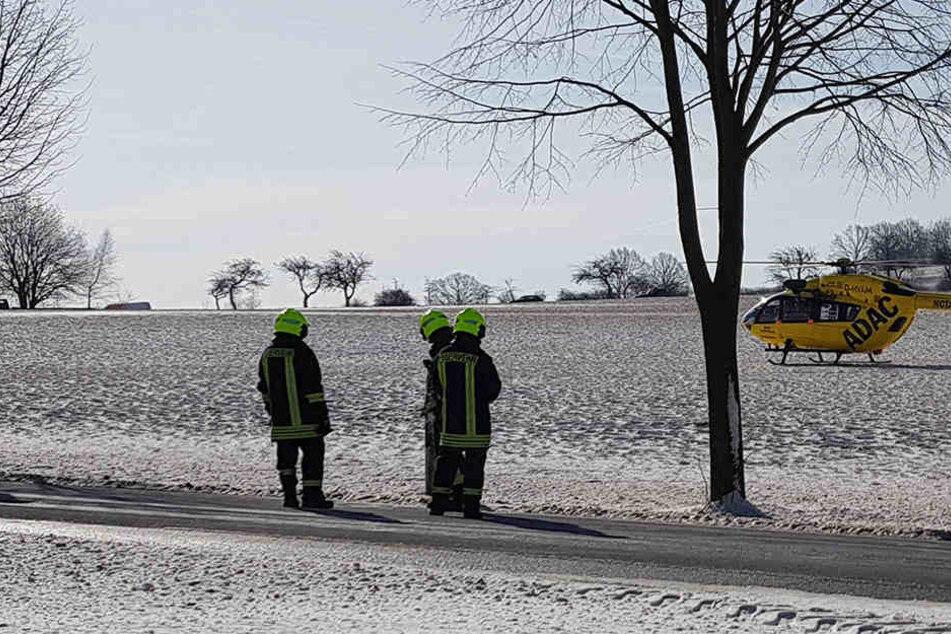Eine Person musste mit dem Rettungshubschrauber ins Krankenhaus gebracht werden.