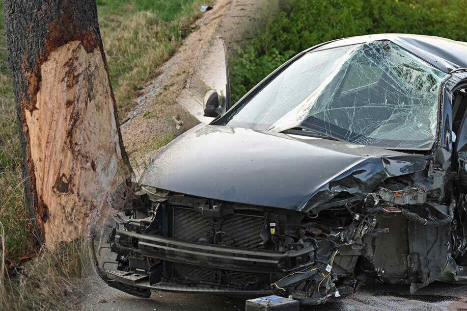 Trümmerfeld auf B96: Frau rast mit Hyundai gegen Baum und wird schwer verletzt