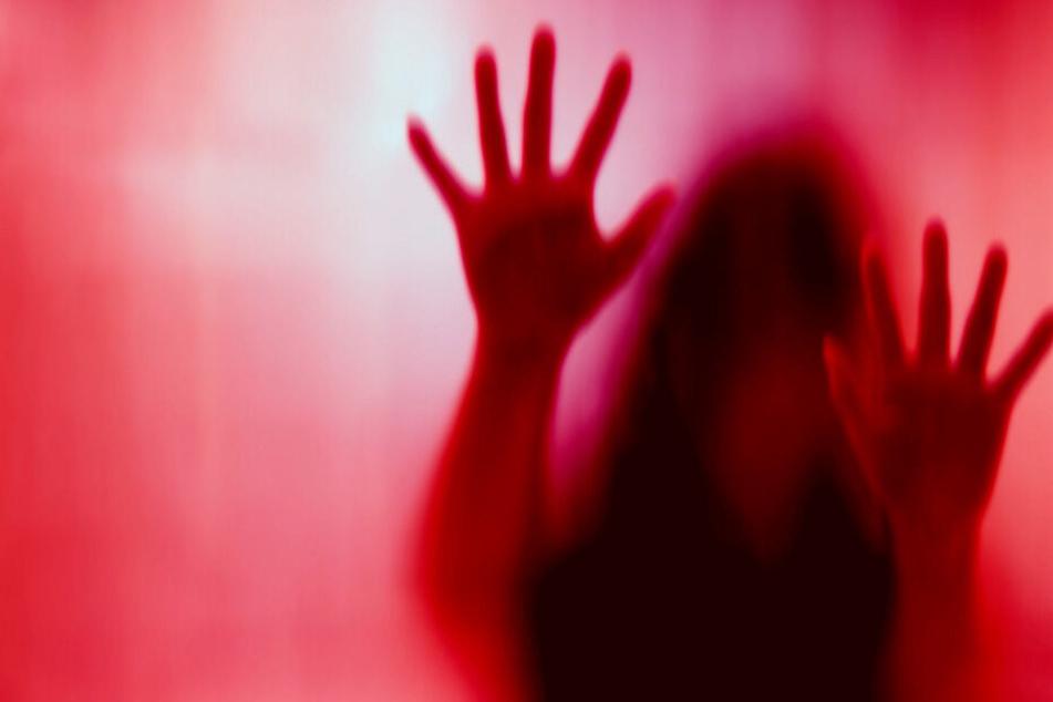 Vater enthauptet seine Tochter (†19), nachdem er sie zwei Jahre vergewaltigte