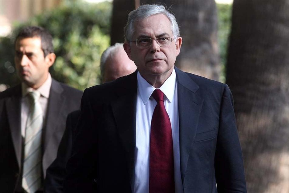 Der früherer griechische Ministerpräsident Lucas Papademos (69) wurde bei einer Explosion verletzt.