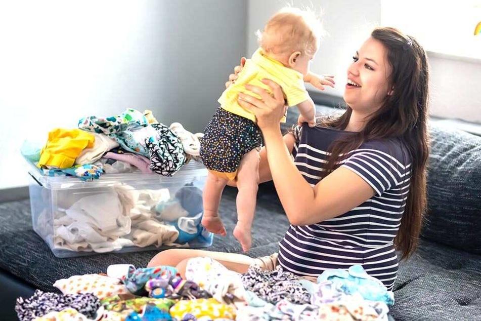 Söhnchen Jona (13 Monate) ist das ideale Testobjekt: Ihm gefallen Mamas Windeln natürlich.