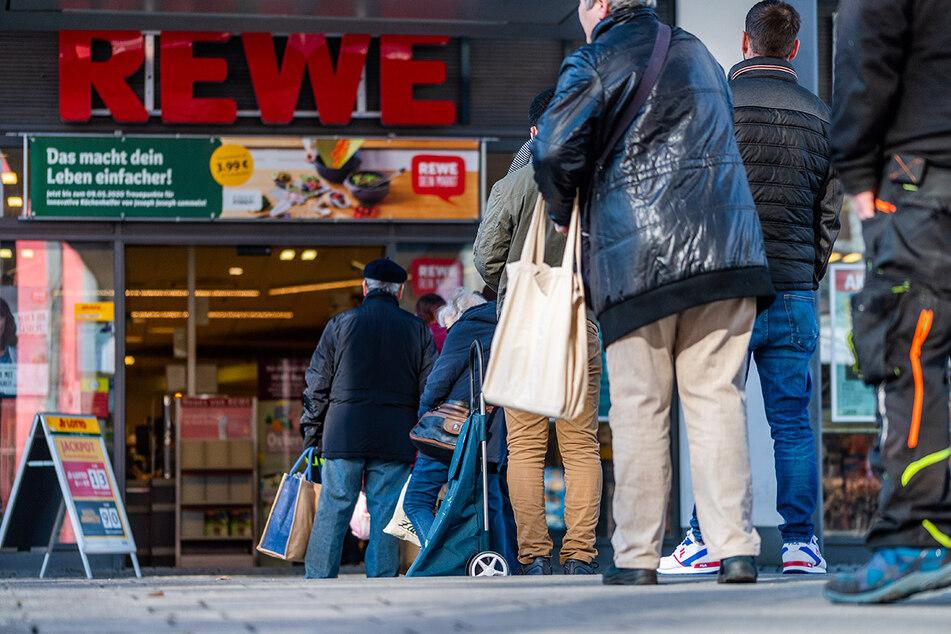 Mit diesen günstigen Angeboten überrascht REWE alle Kunden