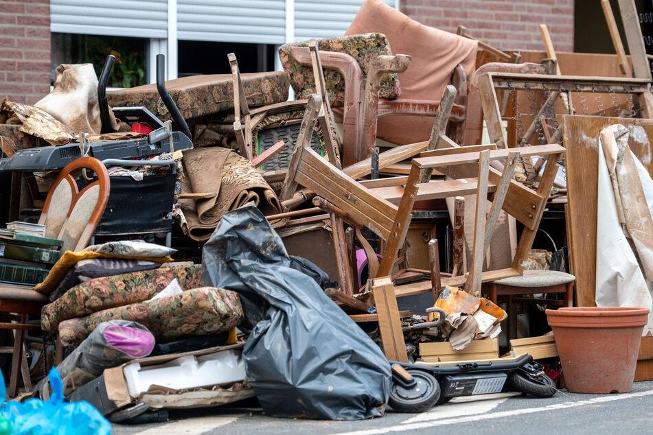 Die Flut-Katastrophe hat in Nordrhein-Westfalen enorme Schäden angerichtet. Der WDR will in Zukunft verstärkt über die Gefahren berichten.