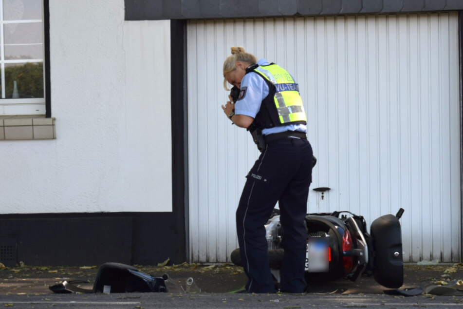 Der Biker (57) fuhr gegen einen Laternenmast und muss wiederbelebt werden.