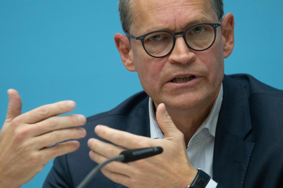 Berlins Regierender Bürgermeister Michael Müller will über die Beherbergungsverbote neu beraten.