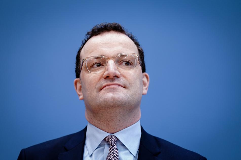 """Die Anti-Korruptionsorganisation """"Transparency International"""" erklärte, Jens Spahn (40, CDU) habe bereits als Bundestagsabgeordneter zu Pharma-Lobbyisten gehabt."""