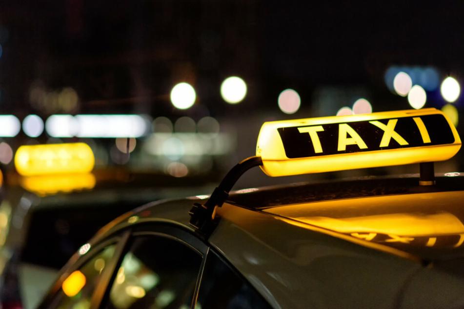 Dank einer Taxifahrt konnte die Polizei in Schildow Freitagnacht einen Dieb festnehmen. (Symbolfoto)