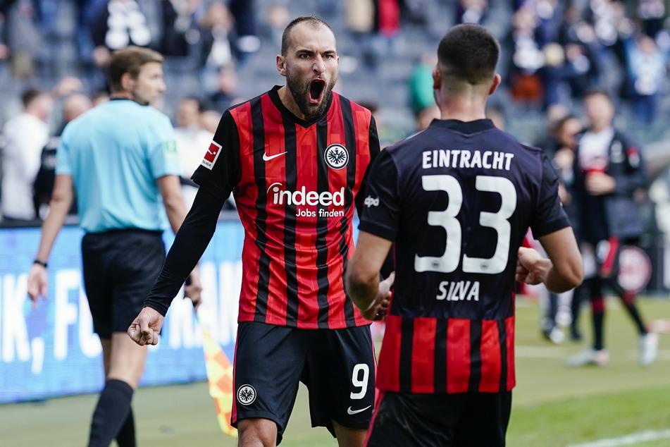 Seit Mittwoch wissen Eintracht-Knipser Bas Dost (31/l.) und André Silva (24), wann sie an den Spieltagen 9 bis 12 auf Torejagd gehen dürfen.