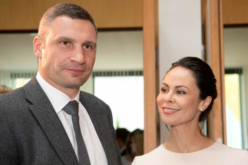 Mit seiner Frau Natalia, die sich in Hamburg befindet, kann er derzeit nur per Telefon sprechen.