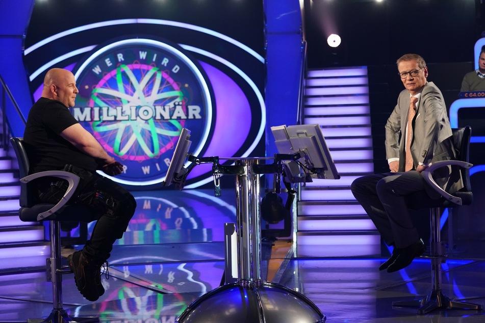 """Wer wird Millionär: """"Wer wird Millionär"""": Joker helfen nicht, Dachdecker stürzt auf 500 Euro"""