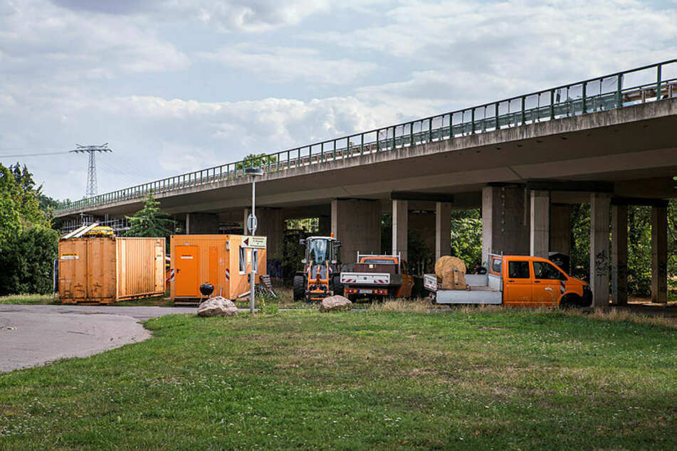 Die Brücke (B2) übe dem agra-Park. (Archivbild)
