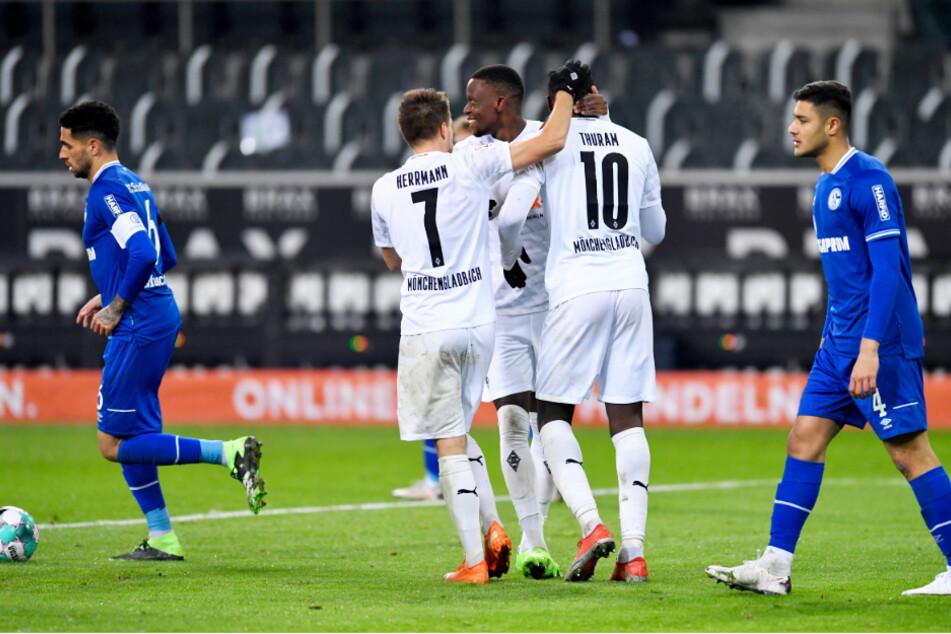 Während die Fohlen jubeln durften, hingen die Köpfe bei Schalke nach unten.