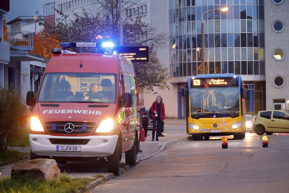 Die Konradstraße wurde voll gesperrt, die Buslinie 82 umgeleitet.