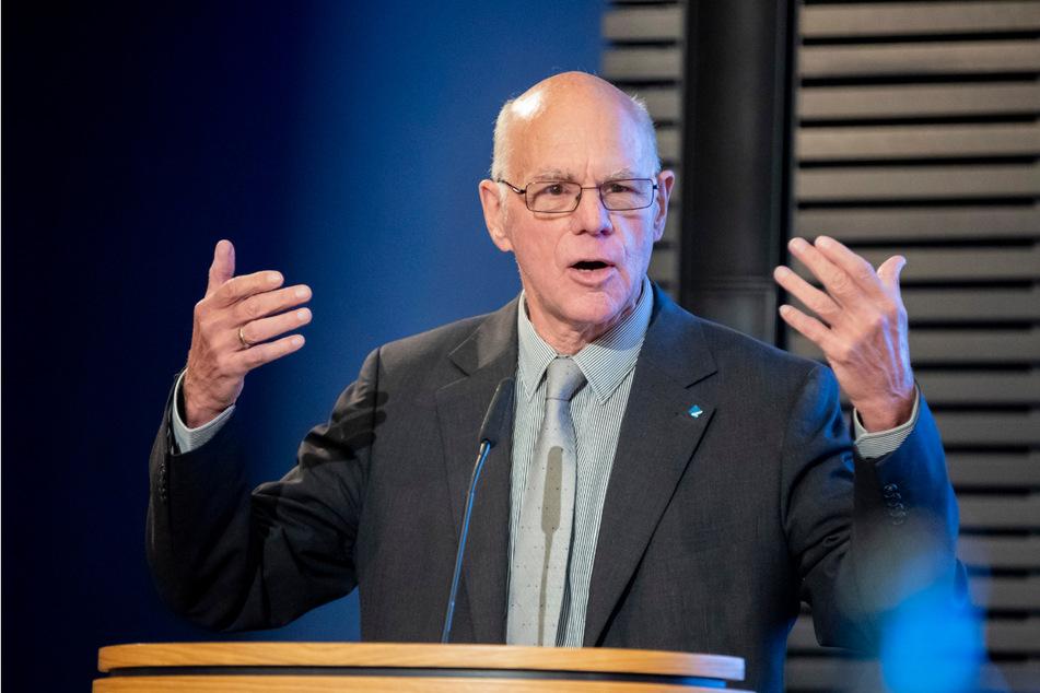 Ehemaliger Bundestagspräsident Norbert Lammert (72, CDU) will länger auf komplexe Fragen antworten.