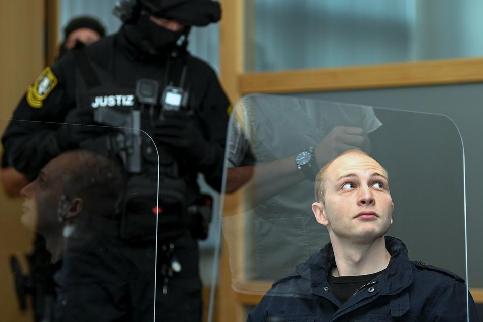 Zwei Revierpolizisten aus Zeitz stellten den Täter auf der Flucht.