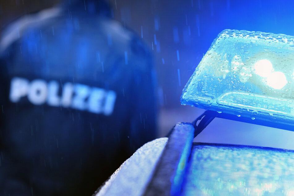 Unfallflucht in Chemnitz: Mercedes-Fahrer kracht gegen elf Autos und haut dann ab