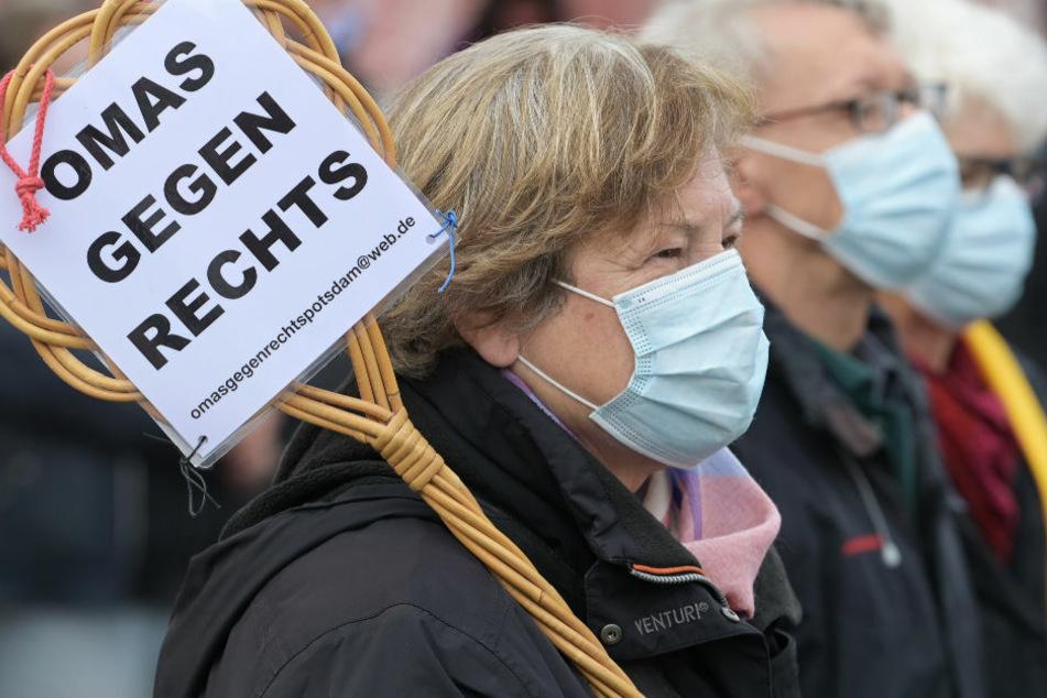 """""""Omas gegen rechts"""" werden für Zivilcourage geehrt"""