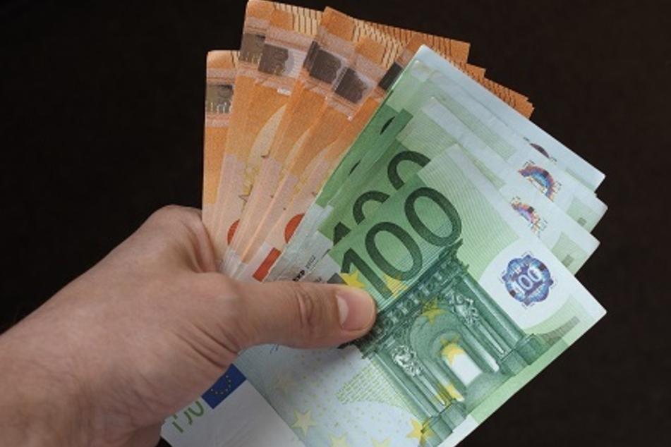 Dresden: Enkeltrick-Betrüger erleichtern Dresdner Rentner (80) um fast 80.000 Euro!